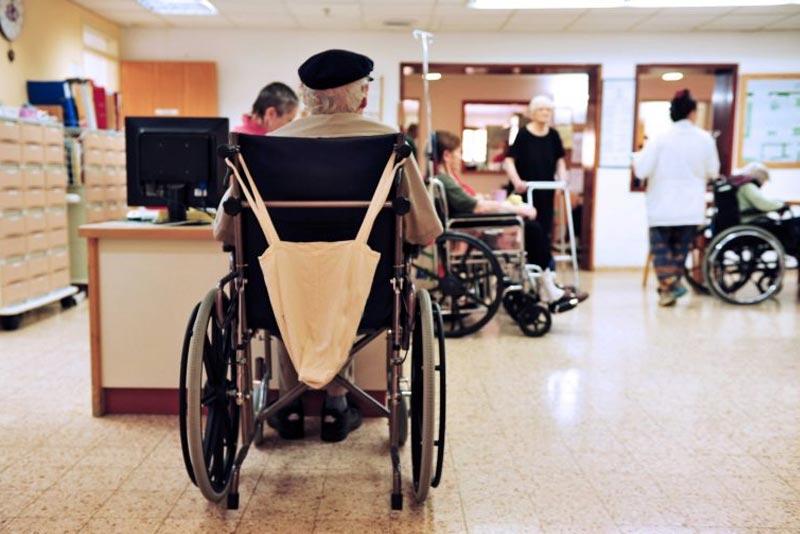 casos de abuso de ancianos en hogares de ancianos